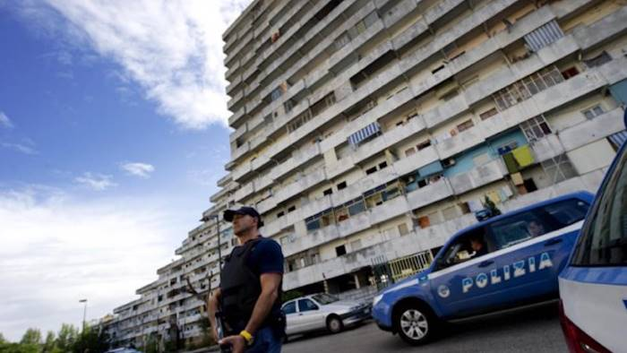 Blitz contro clan camorra a Scampia, oltre 20 arresti