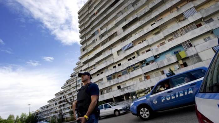 Camorra e narcotraffico, maxi blitz a Napoli: 27 arresti