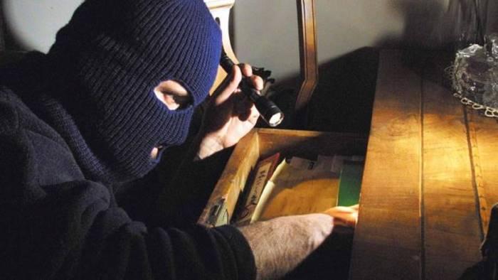 Palermo, tenta di rapinare un poliziotto in borghese: arrestato