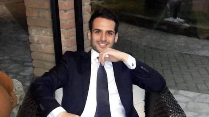 pacco bomba a un avvocato ferito gravemente nell esplosione