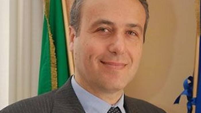 scafati sceglie il suo sindaco cristoforo salvati