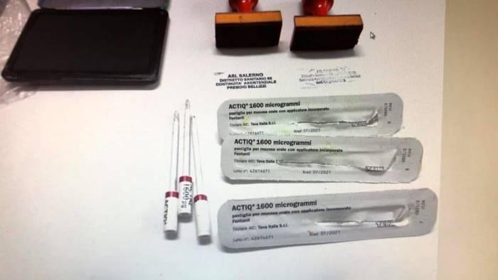 ex modella falsifica prescrizioni per avere farmaci