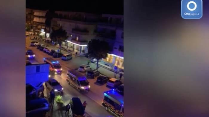 ambulanze a capaccio come a processioni con omaggio a boss