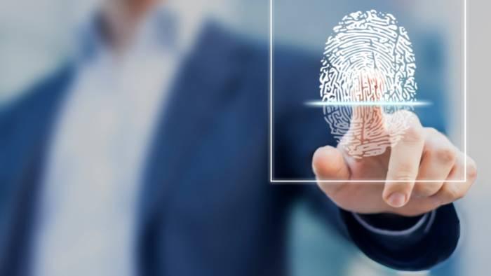 impronte digitali contro furbetti del cartellino e legge