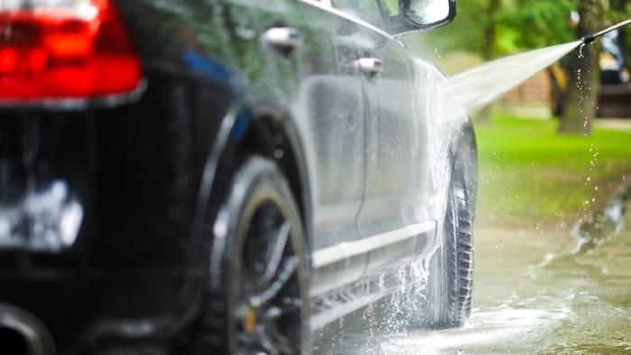 lavate l auto rischiate 500 euro di multa