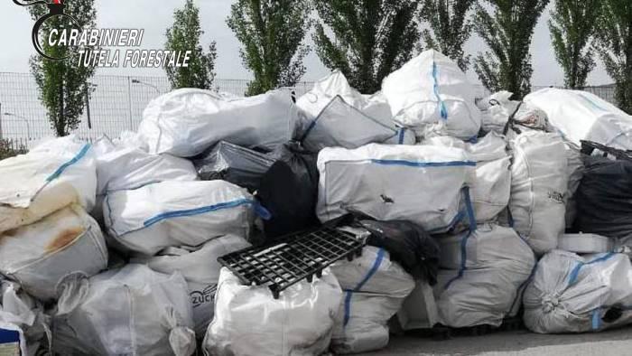 sequestrati 500 quintali di farine proteiche in valle ufita
