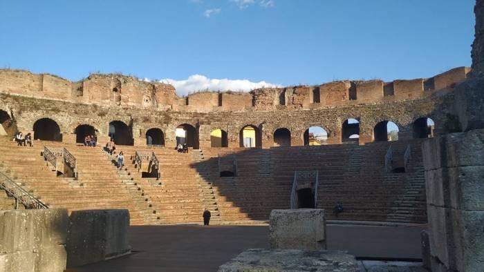 sanniti innamoratevi di piu del teatro romano
