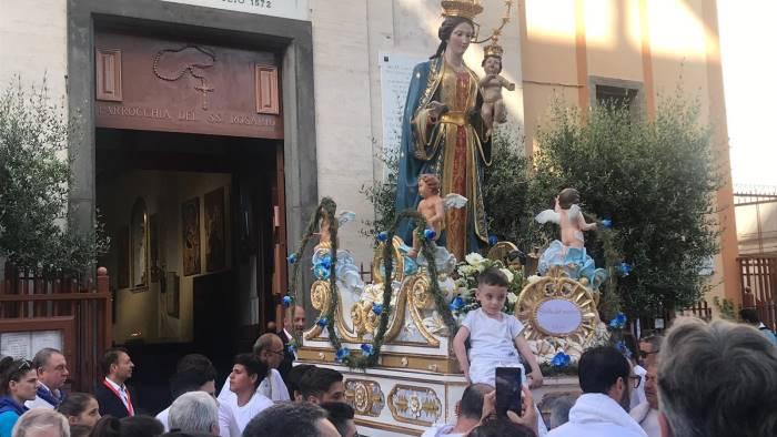oltre 5000 fedeli per la processione della vergine del rosario