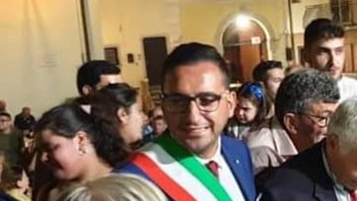 santa paolina applausi per il nuovo sindaco buon lavoro rino