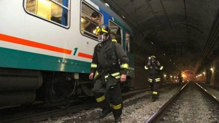 esercitazione antincendio nella galleria ferroviaria