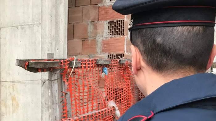 lavoro nero giro di vite dei carabinieri in irpinia