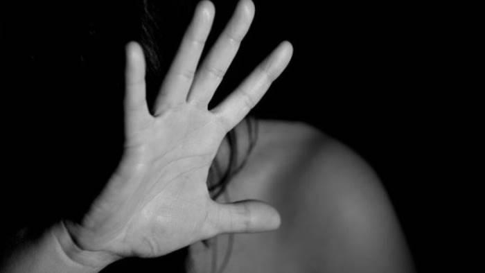 pozzuoli arrestato un 61enne perseguitava la moglie