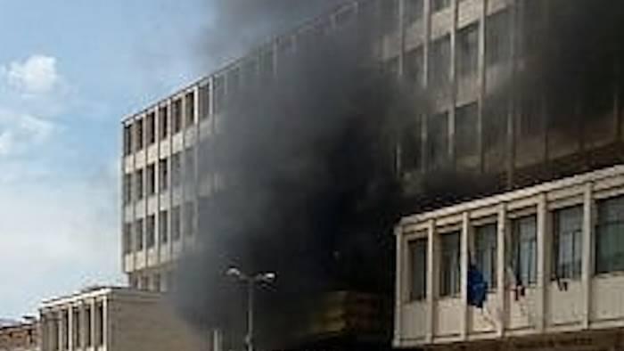 incendio in tribunale indagini in corso