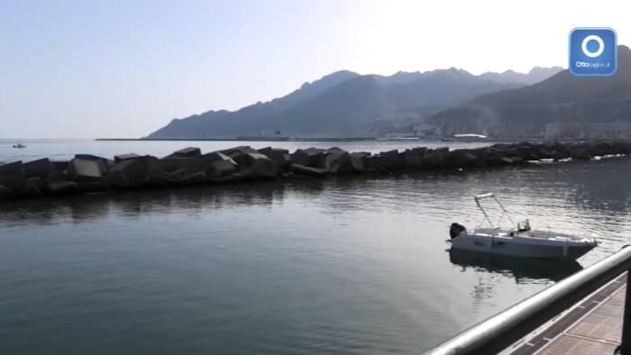 video ecco l estate in tanti a godersi sole e mare a salerno