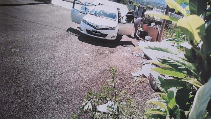 abbandono di rifiuti incastrati dalle telecamere 40 sanzioni