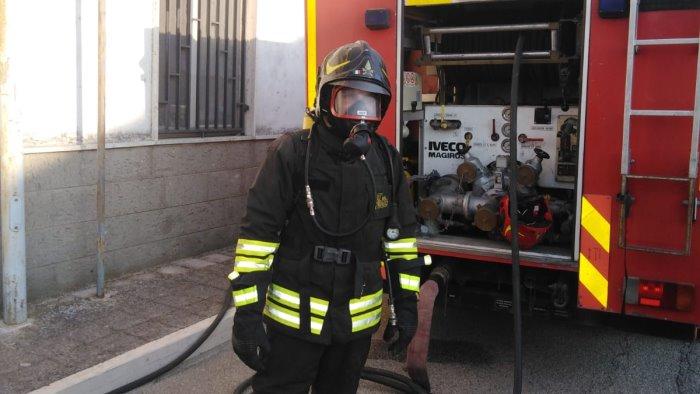 fiamme nella casa canonica danni e paura
