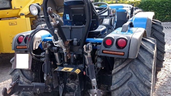 furti di trattori al parco del volturno mezzi recuperati dai carabinieri