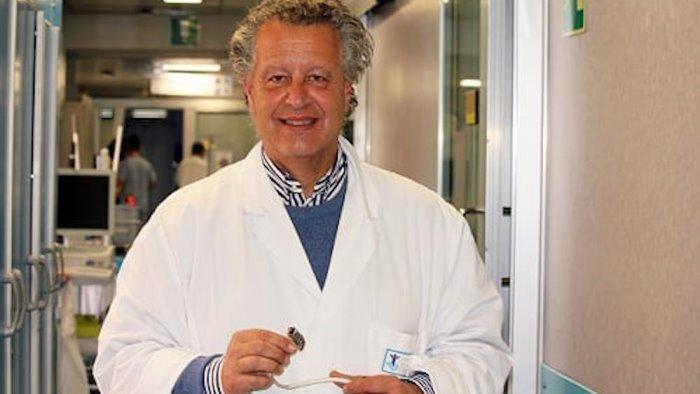 primo trapianto al mondo da donatore positivo il cardiochirurgo e irpino