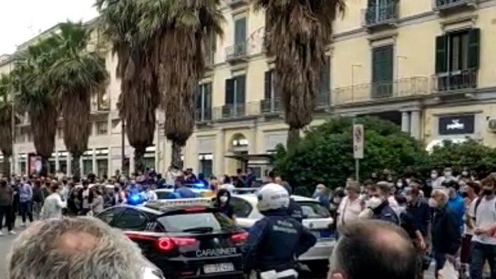 poliziotti della municipale aggrediti solidarieta del dipartimento nazionale