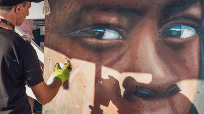 jorit for africa messaggio contro la poverta a paestum