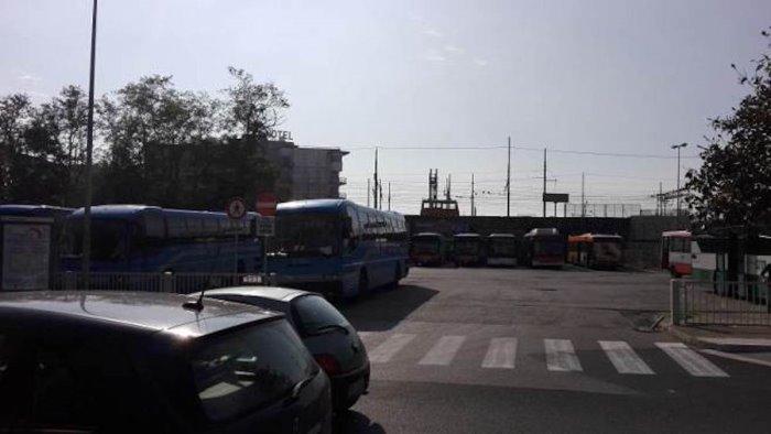 terminal bus di via vinciprova cammarota scelta demenziale