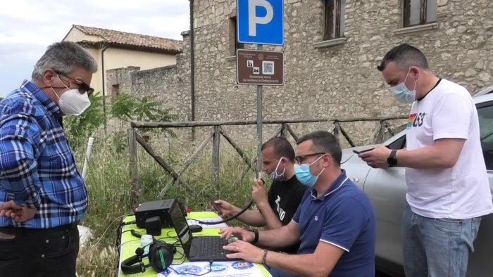 radioamatori in visita al castello d aquino di grottaminarda