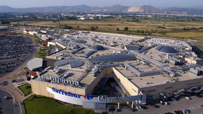 Centro campania furto aggravato in manette due sarnesi for Centro commerciale campania negozi arredamento