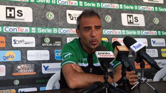 Scontri tra tifosi a Perugia, bus irpino danneggiato e tifoso contuso