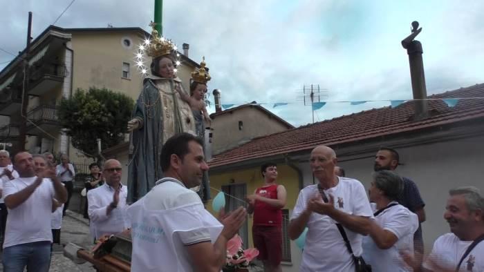fede e devozione intorno alla madonna del carmine video