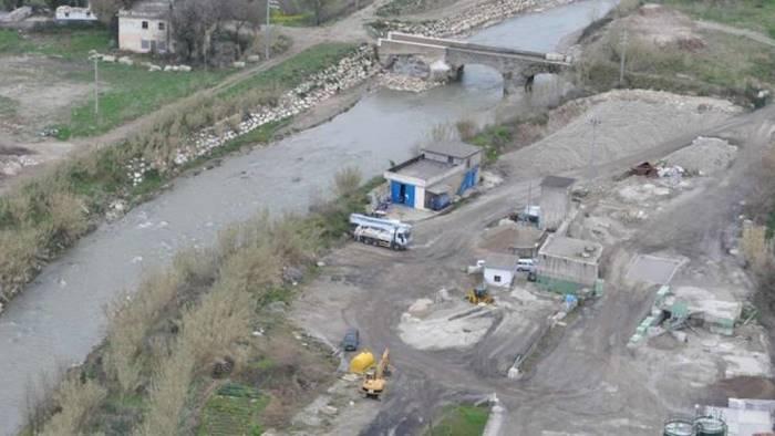 Occupazione abusiva dell'alveo del fiume Tusciano, raffica di sequestri: 90 indagati