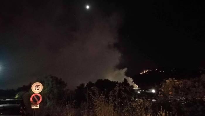 incendio in un deposito di rifiuti a pianodardine