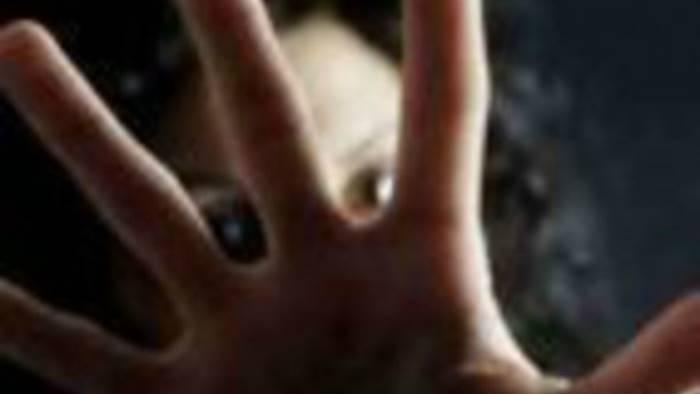 minacce e stalking alla moglie arrestato in camper a pescara
