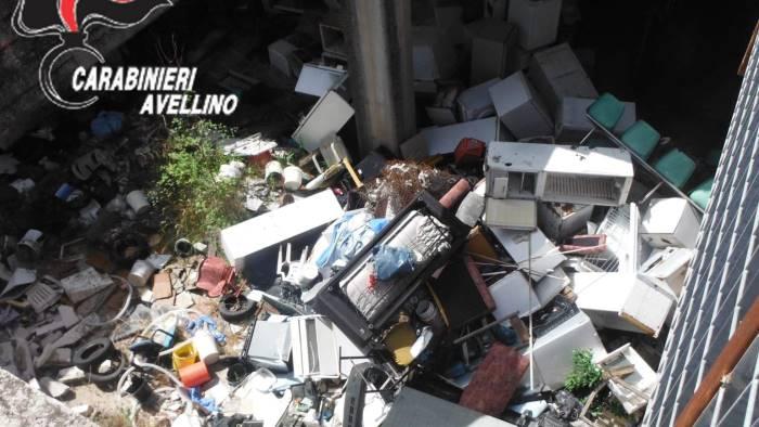 montefalcione gestione rifiuti sequestro e due denunce