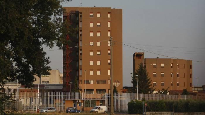 morte detenuto chiesto il processo per 3 medici del carcere
