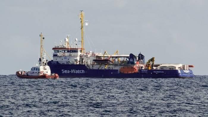 sea watch cgil campania aderisce al presidio