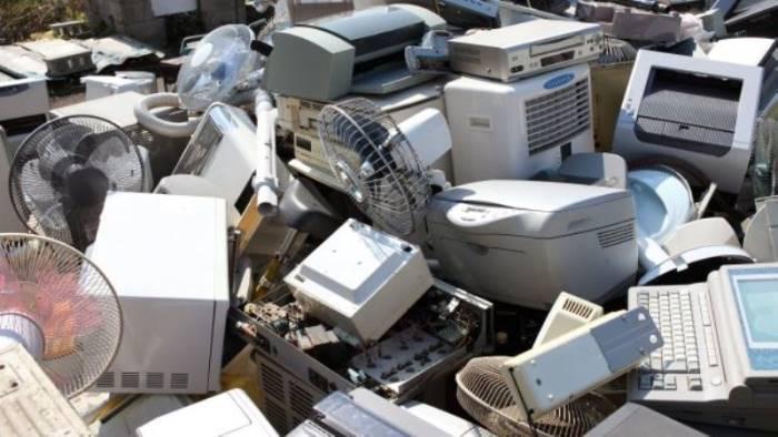 la raccolta di rifiuti tecnologici cresce del 25 in campania