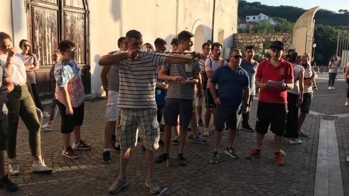 giochi antichi e la sfida tra quartieri di ceppaloni foto