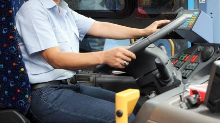 ancora violenze sui bus ambulante aggredisce autista