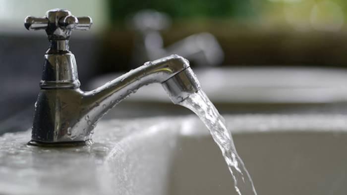 ancora rubinetti a secco ecco dove e quando manchera l acqua