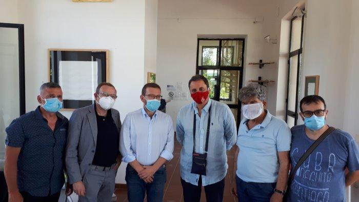 il ministro provenzano incontra i lavoratori della whirlpool