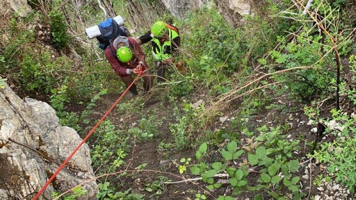due giovani dispersi lungo il sentiero casa rocchi salvati