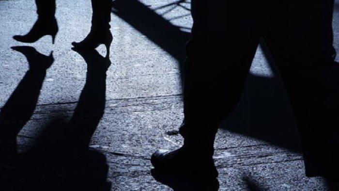 stalking a donna e figlia ex sindaco ancora a giudizio