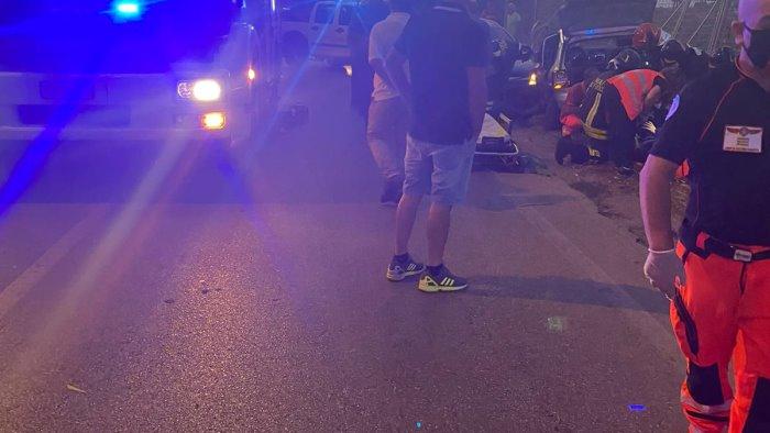 incidente a paestum tre feriti due in codice rosso