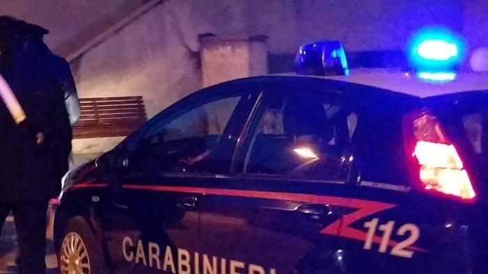 arsenale in casa scoperto dai carabinieri arrestato
