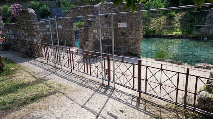 divieto di accesso e di balneazione alle piscine delle terme jacobelli