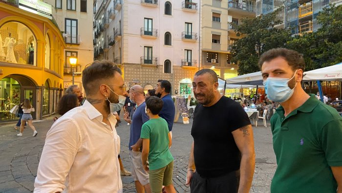 green pass protesta flop per i ristoratori solo 3 in piazza portanova