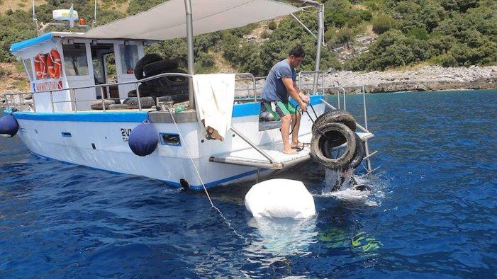 sapri raccolti 1 800 kg di pneumatici fuori uso in mare