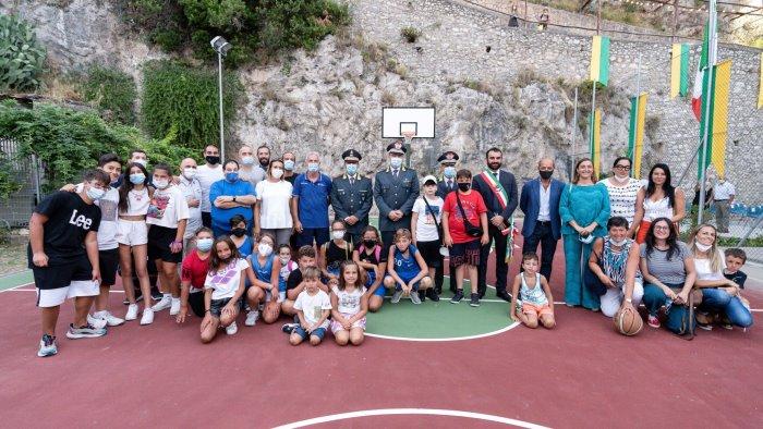amalfi inaugurato il campo di basket nella nuova caserma della finanza