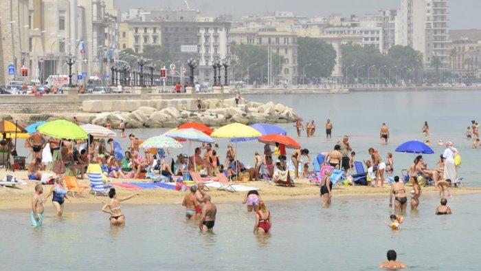 turismo vacanze rimandate e piu brevi