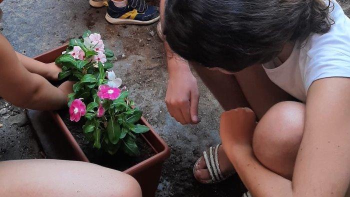 educare i bambini al rispetto dell ambiente piccoli giardinieri al triggio foto